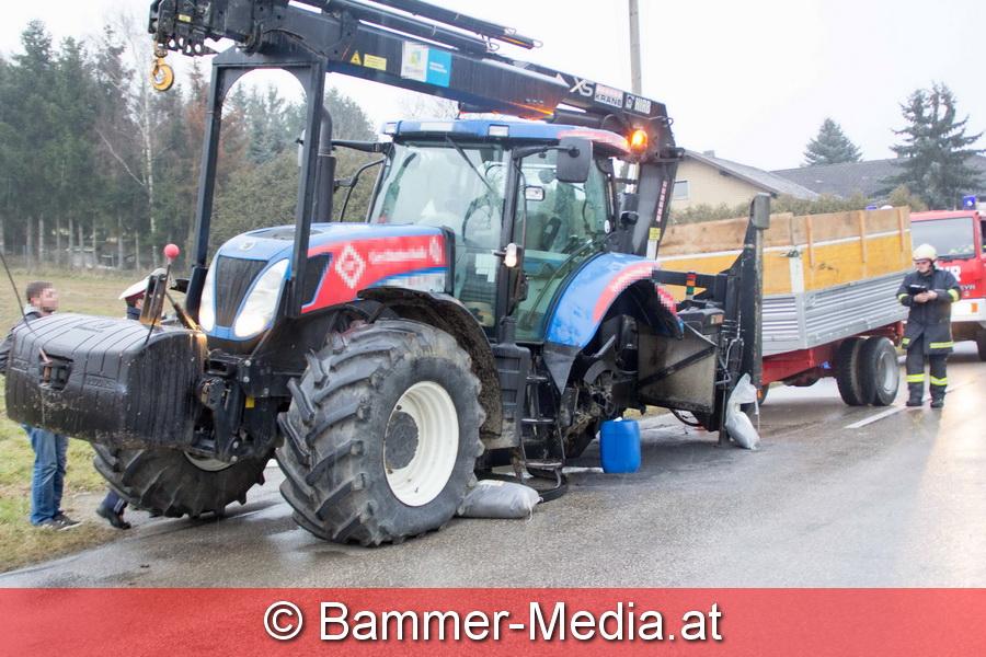 Traktor ohne linken Hinterreifen